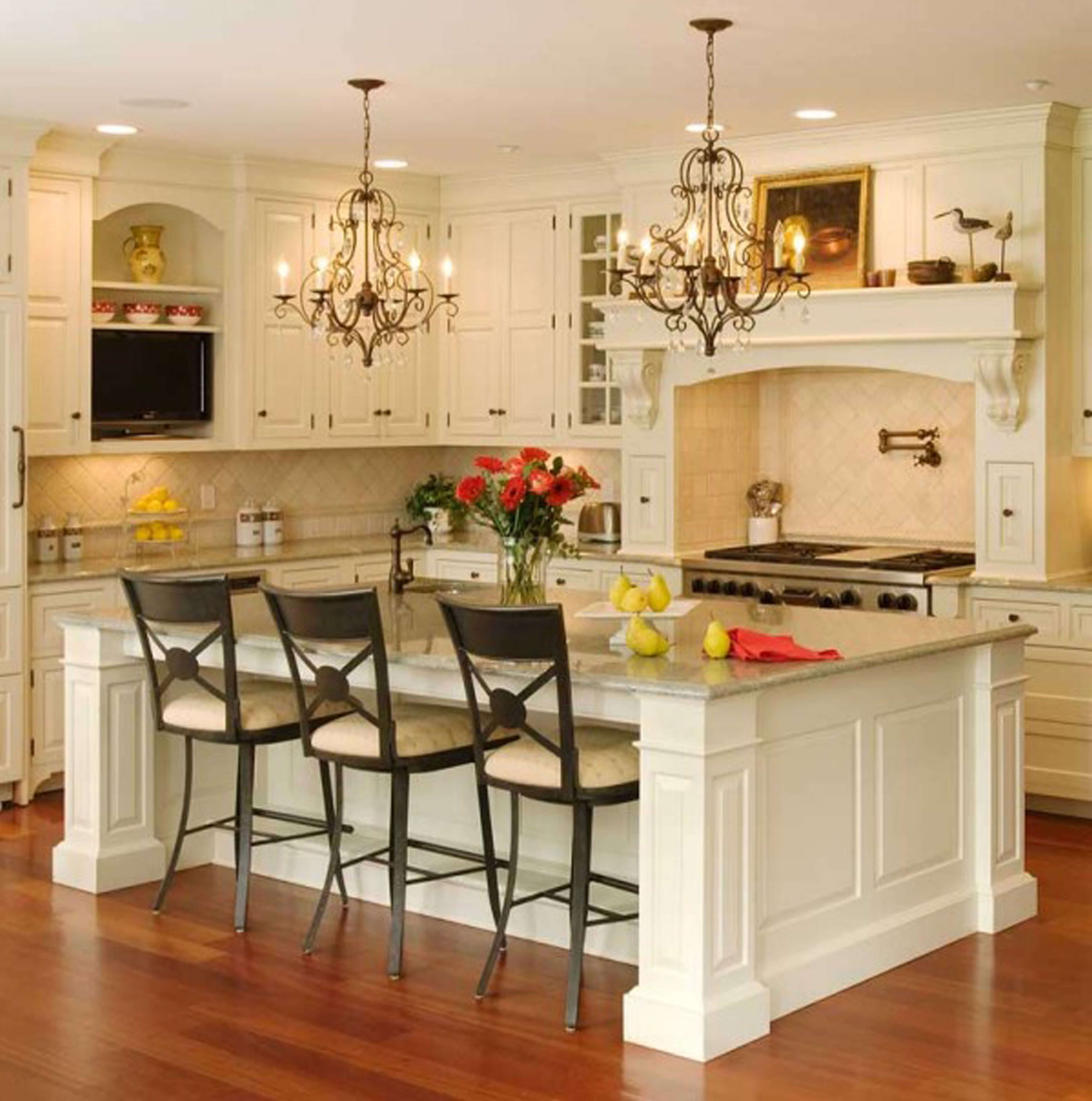 decorating-amazing-traditional-italian-kitchen-decoration-ideas-for-home-with-twin-classic-chandelier-above-big-marble-top-kitchen-island-with-breakfast-nook-design-ideas-decoration-ideas (1)