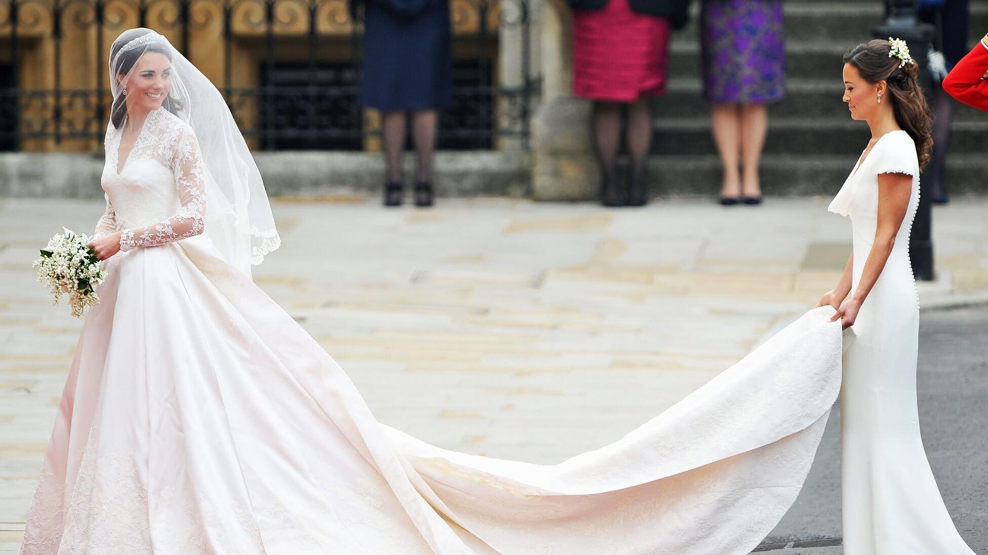 img-kate-middleton-wedding-dress_075548914142 (1)